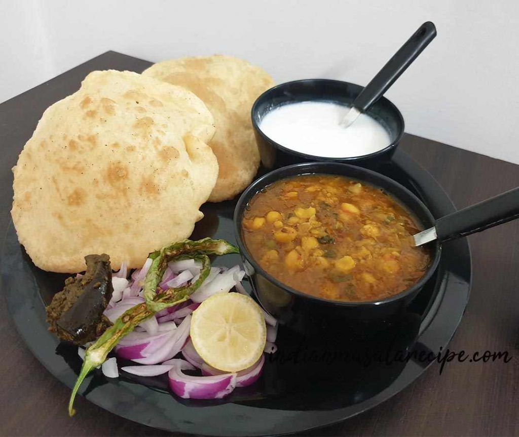 Mouthwatering-chole-bhature-recipe